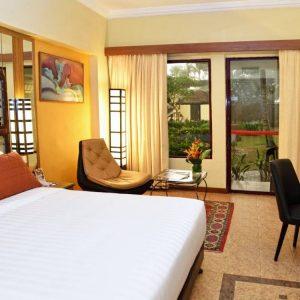 deluxe-premium-king-bedroom-1600×750